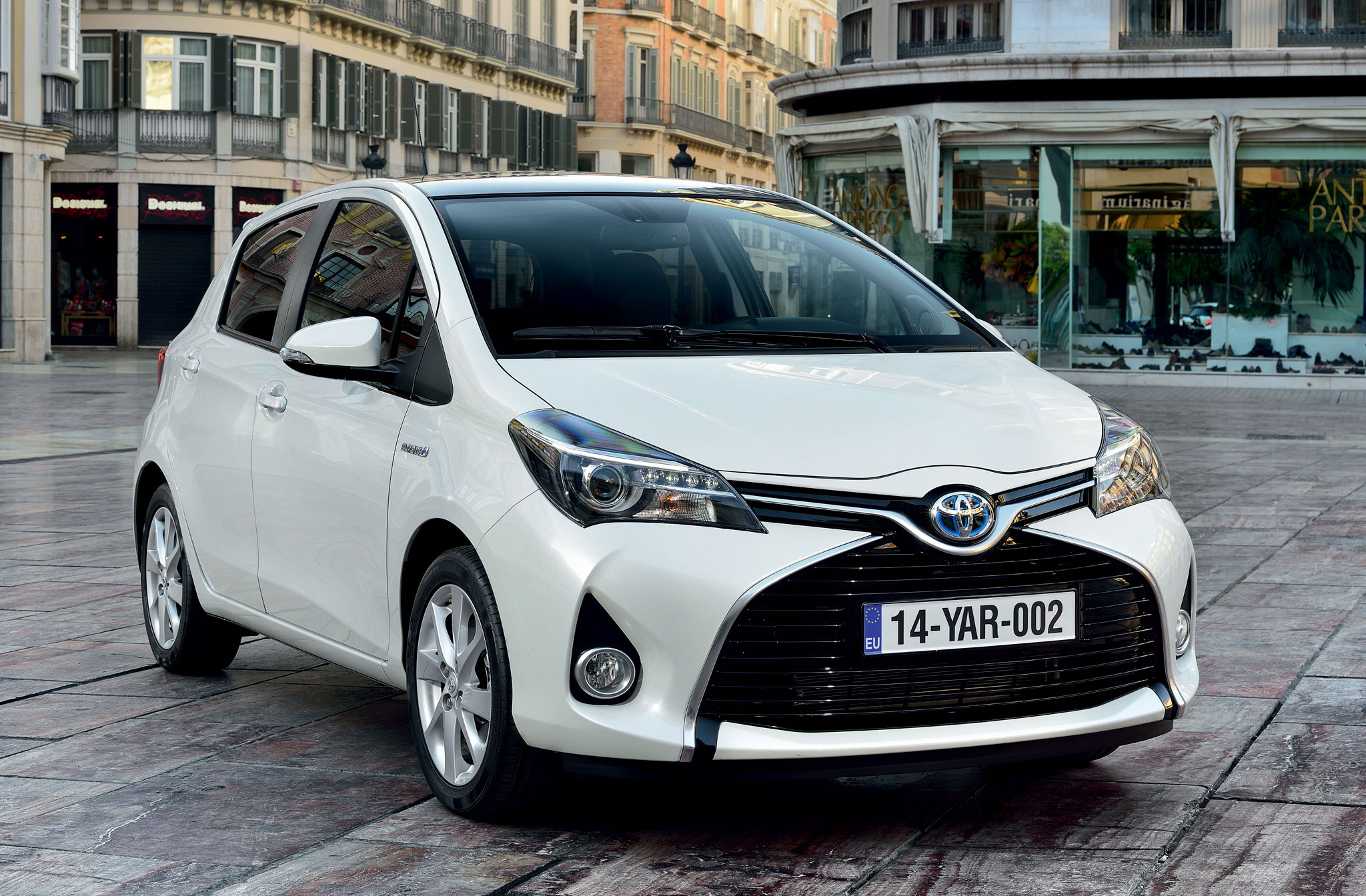 toyota yaris 2015 archives noticias toyota. Black Bedroom Furniture Sets. Home Design Ideas